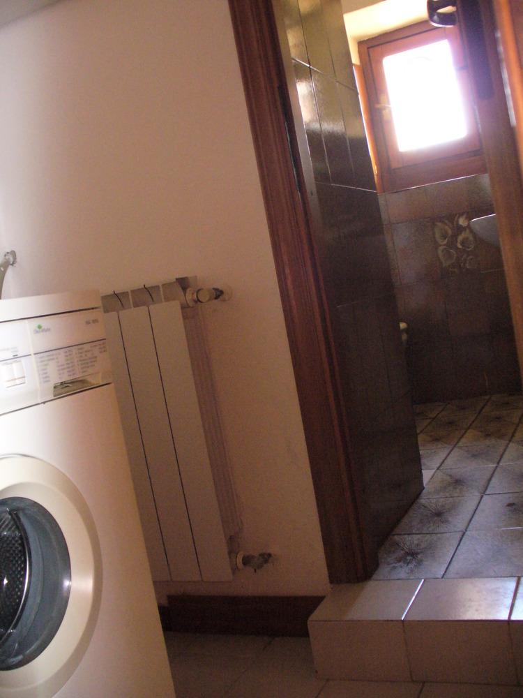 Casa in vendita o affitto ad arezzo - Bagno e antibagno ...
